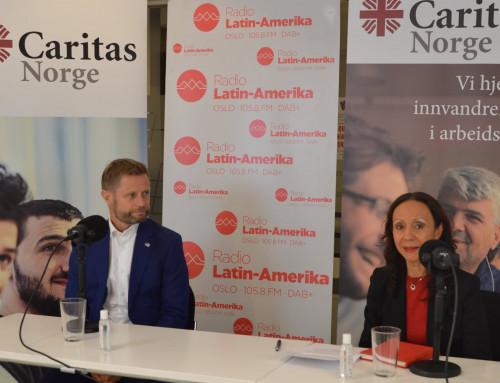 Helseminister Bent Høie deltok på pressekonferanse med innvandrermedier