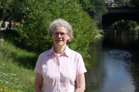 Valerie Håkonsen ved Akerselva.